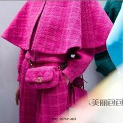 古力娜扎街拍香奈儿19系列软呢腰包胸包