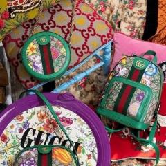gucci flora花卉系列圆饼包和双肩包