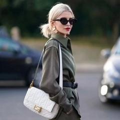 Chiara Ferragni街拍中搭配fendi白色全皮法棍包